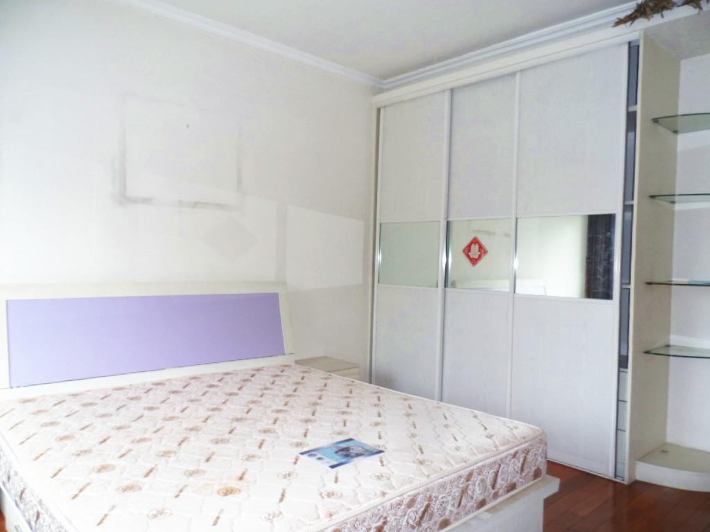 欧式三房客厅装修的图片