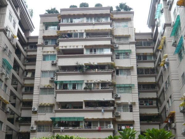 推推99广州房产网新光城市广场外景图