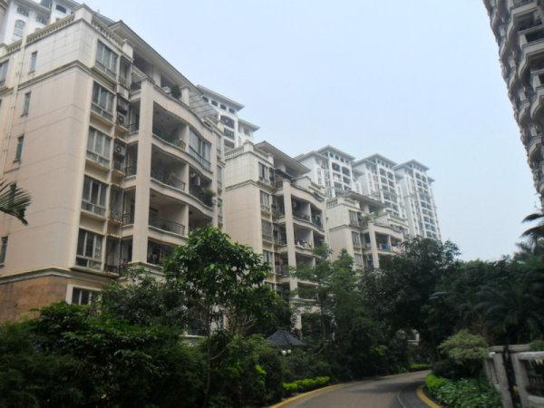 推推99广州房产网保利花园外景图